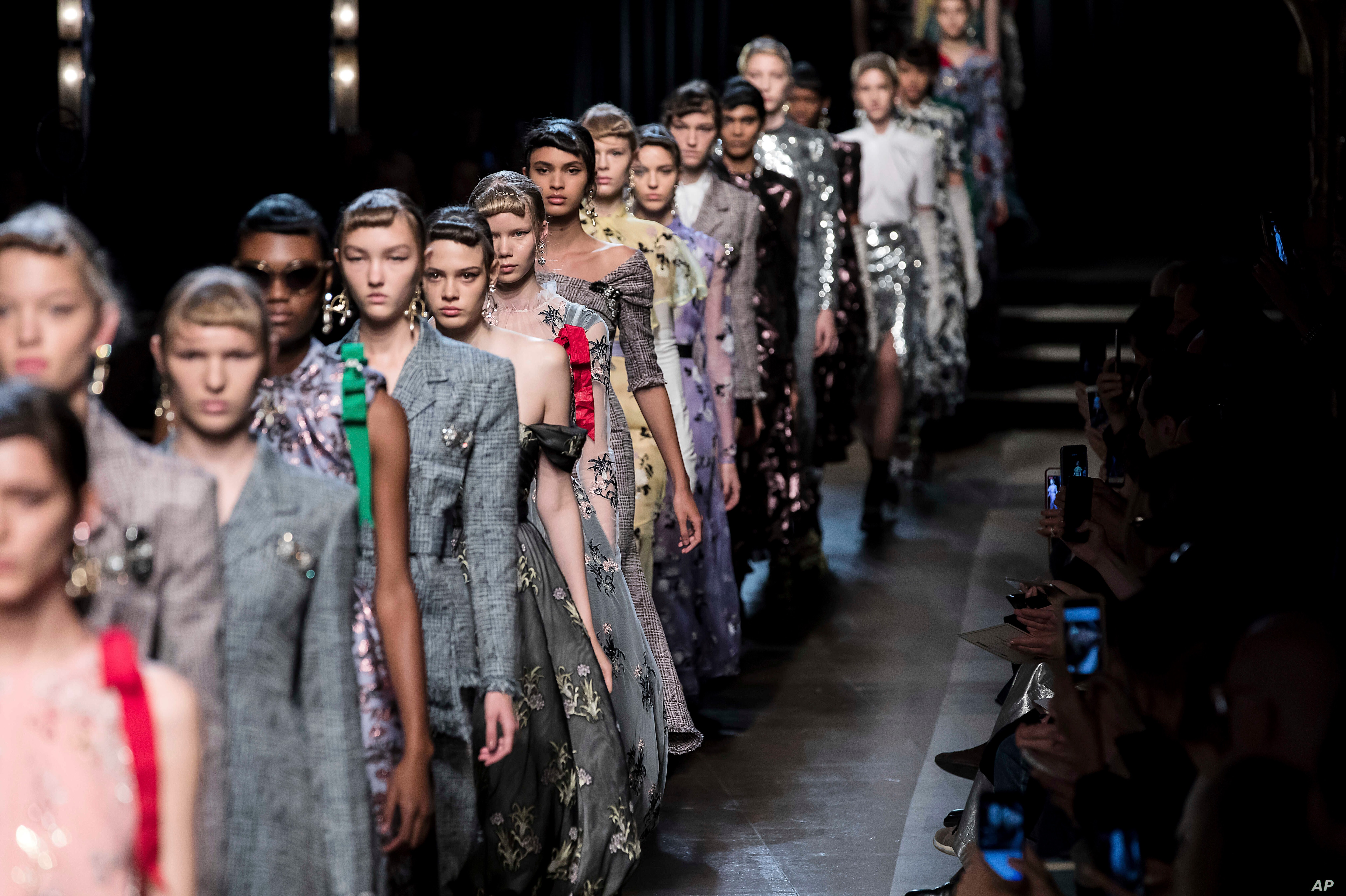 Erdem Sparkles With Glamour In London Fashion Week Catwalk Voice Of America English