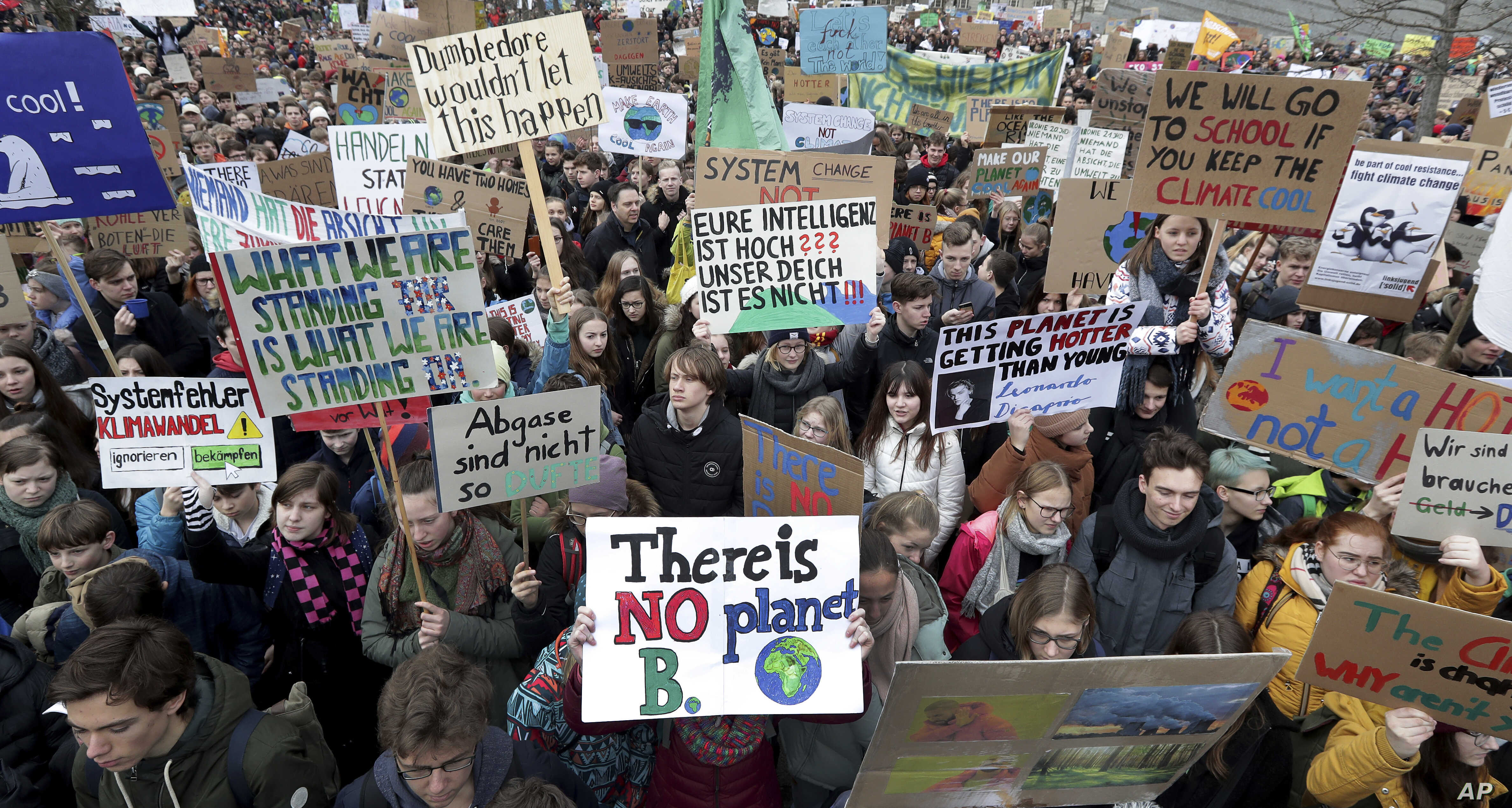 Students Worldwide Skip School to Protest Global Warming | Voice of America  - English