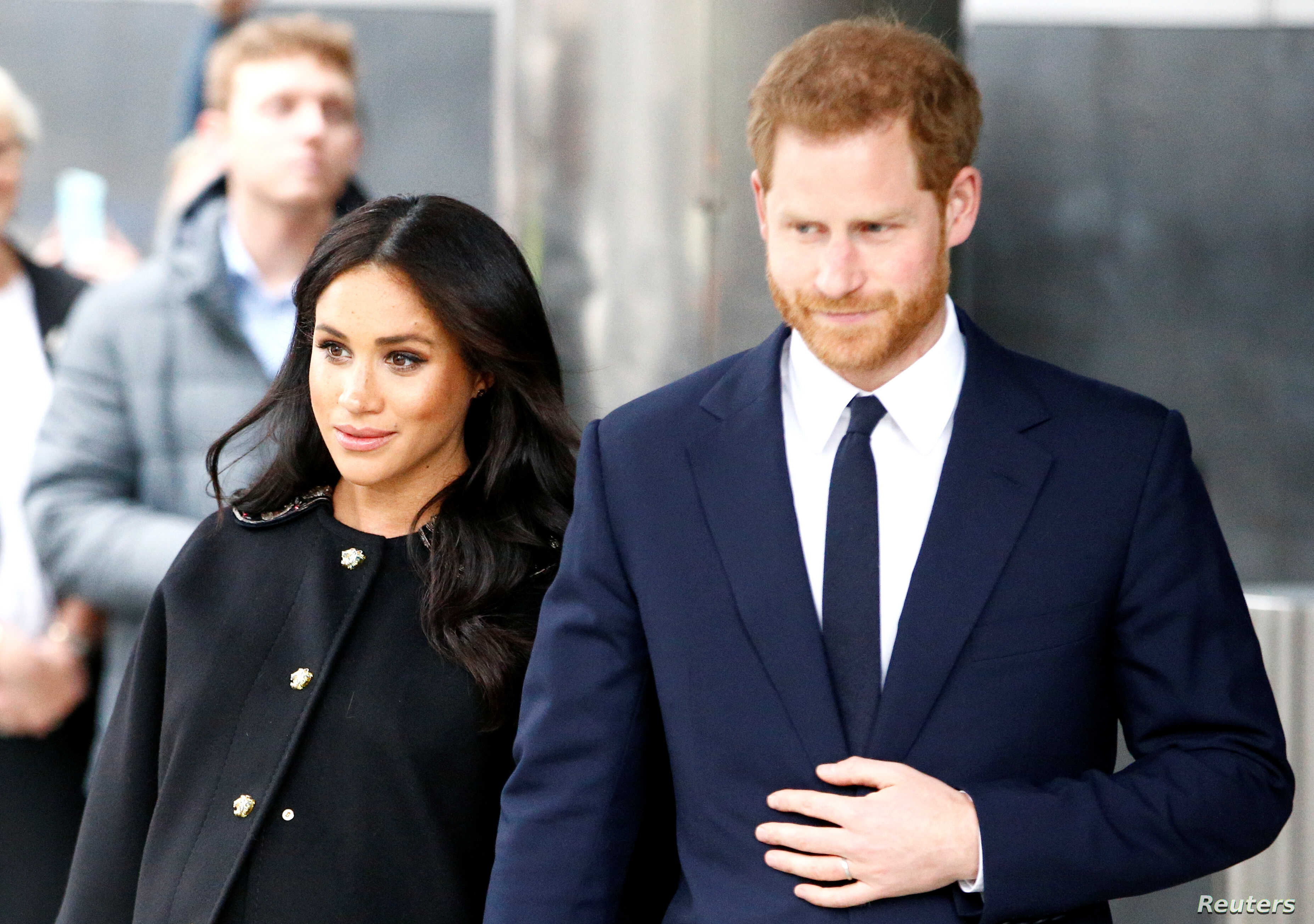 Meghan Markle Prince Harry S Wife In Labor Voice Of America English,Best Way To Light A Room