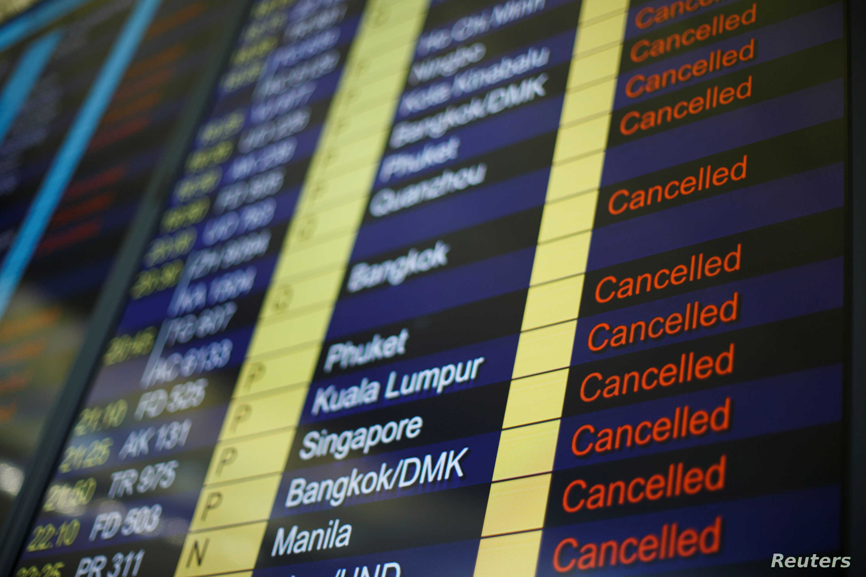 Hong Kong's Airport Reopens After Protests But More Than 200 Flights  Cancelled   Voice of America - English