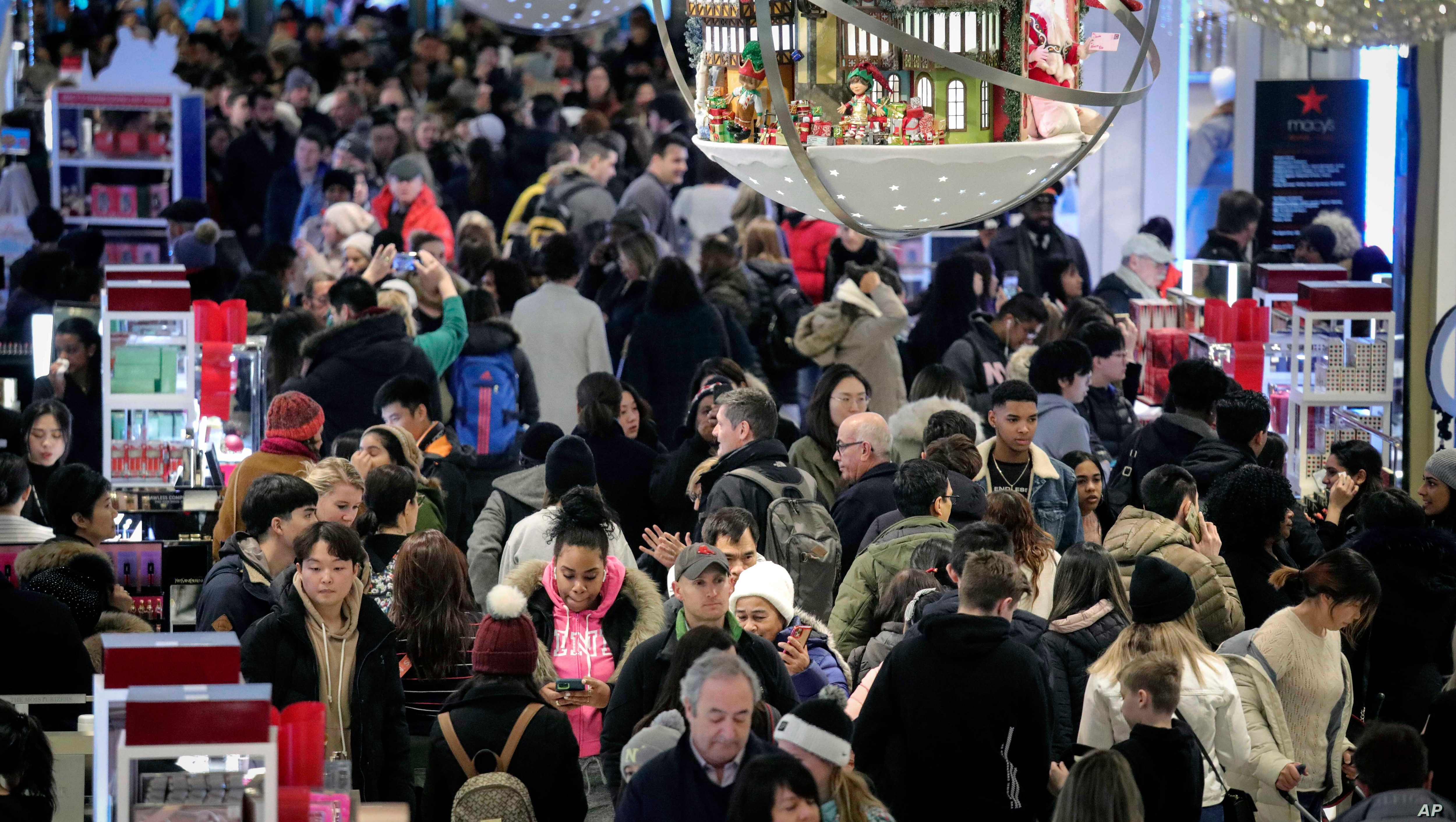 Head Start On Holiday Deals Tempers Black Friday Frenzy Voice Of America English