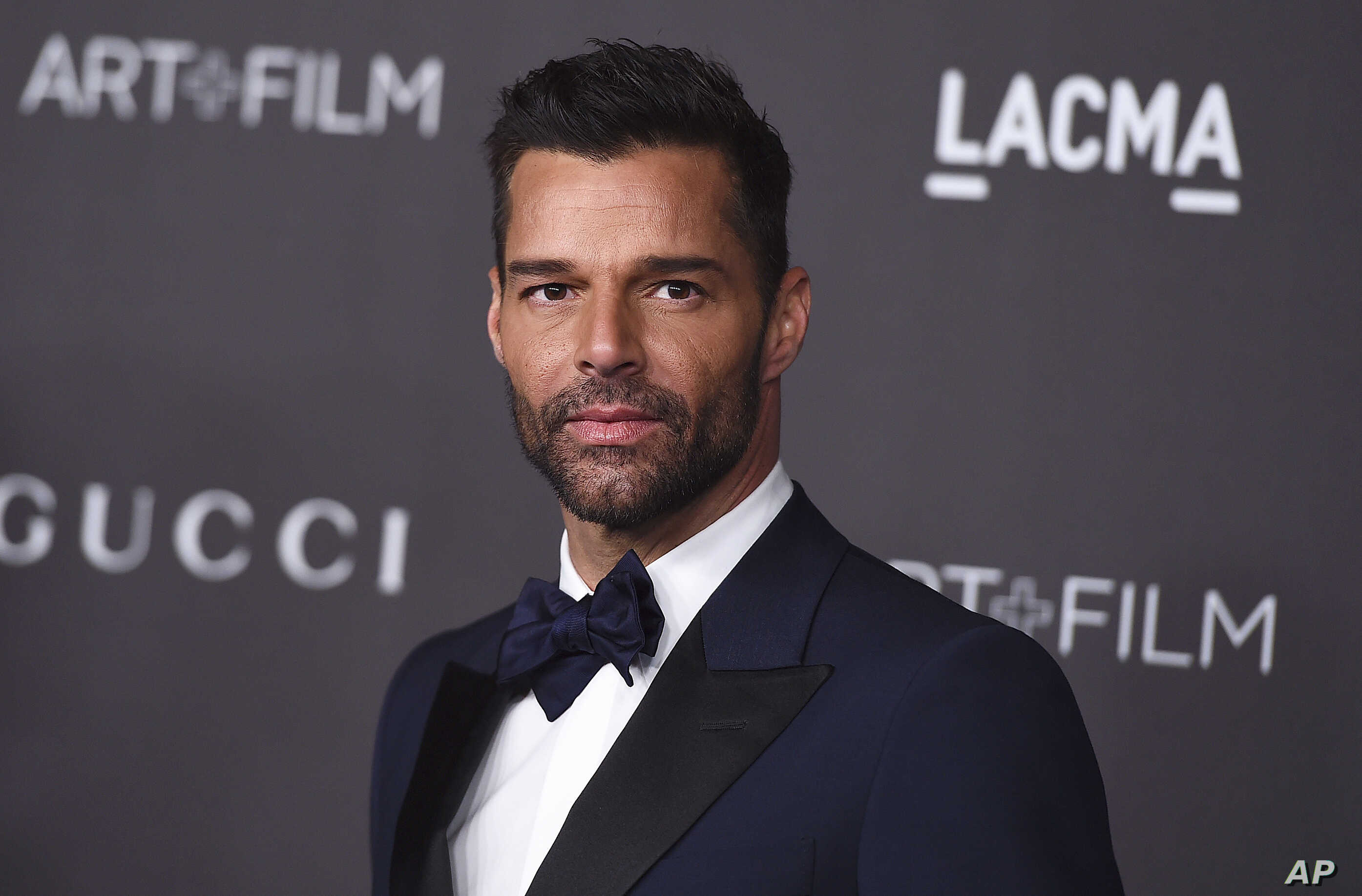 New Baby and New Music: Ricky Martin Hosts the Latin Grammys ...