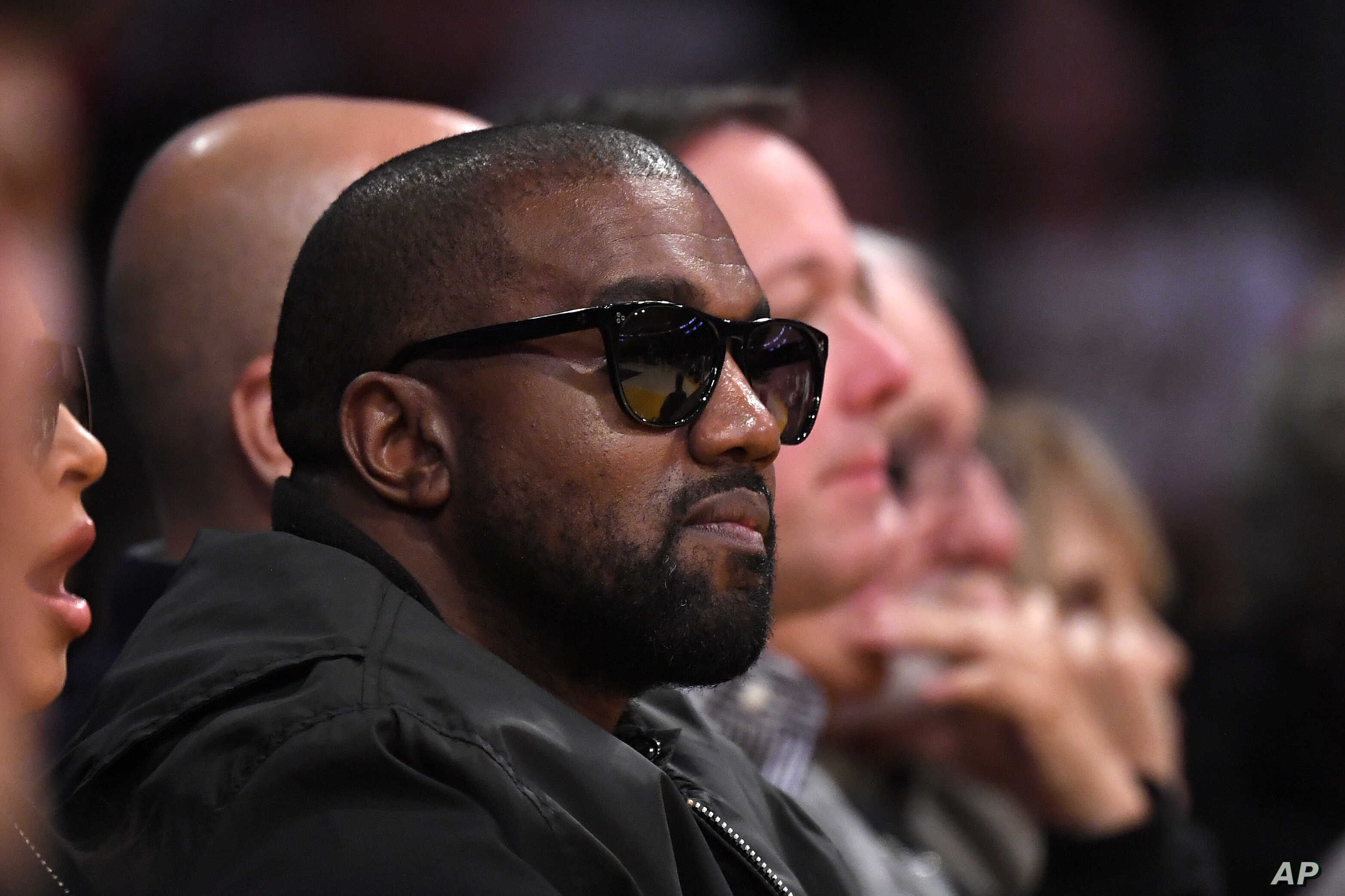 Phone Call Between Kanye West Taylor Swift Again Roils Internet Voice Of America English