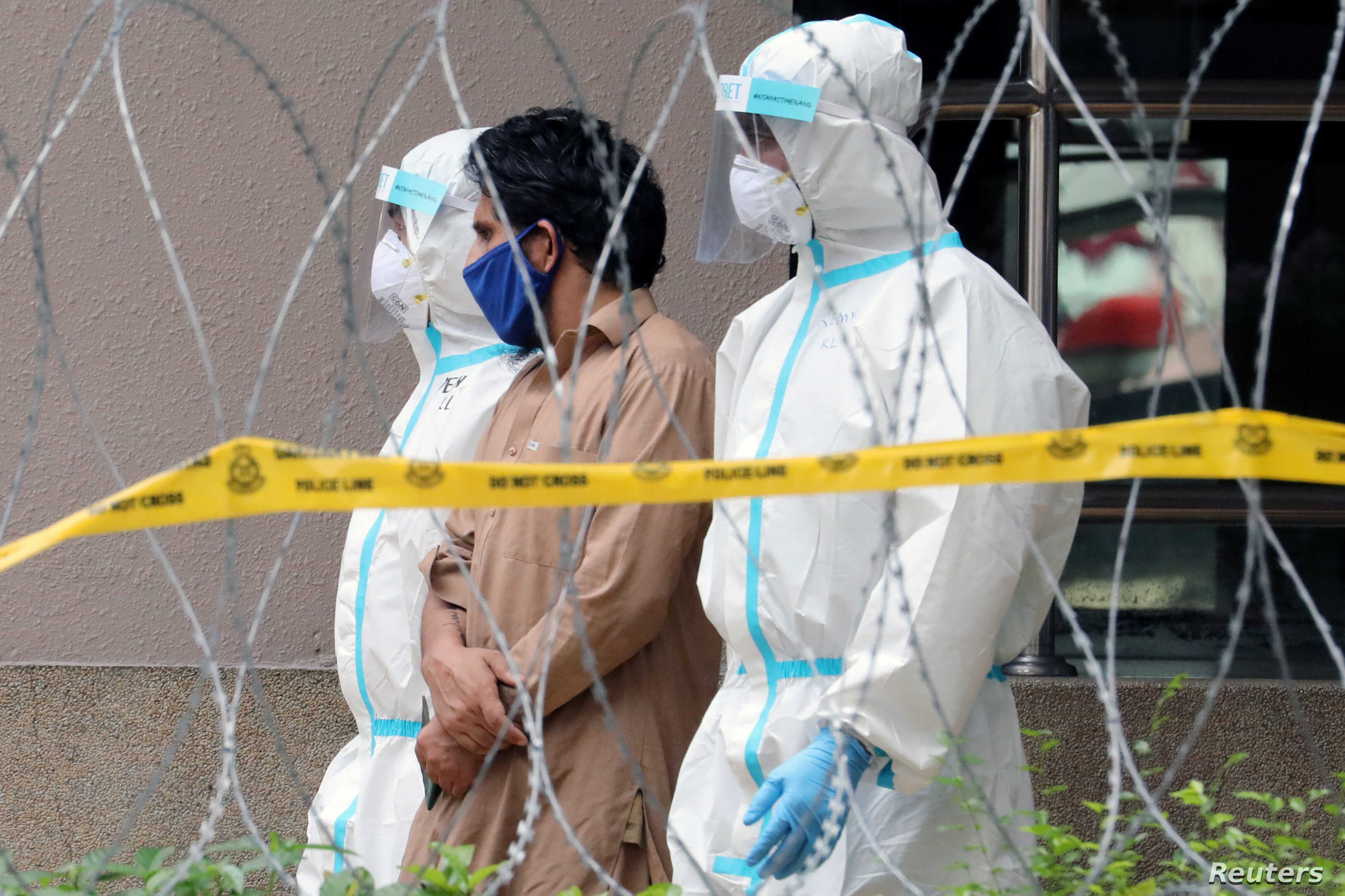 Singapore S Coronavirus Outbreak Sends Malaysia Scrambling To Test Migrant Workers Voice Of America English