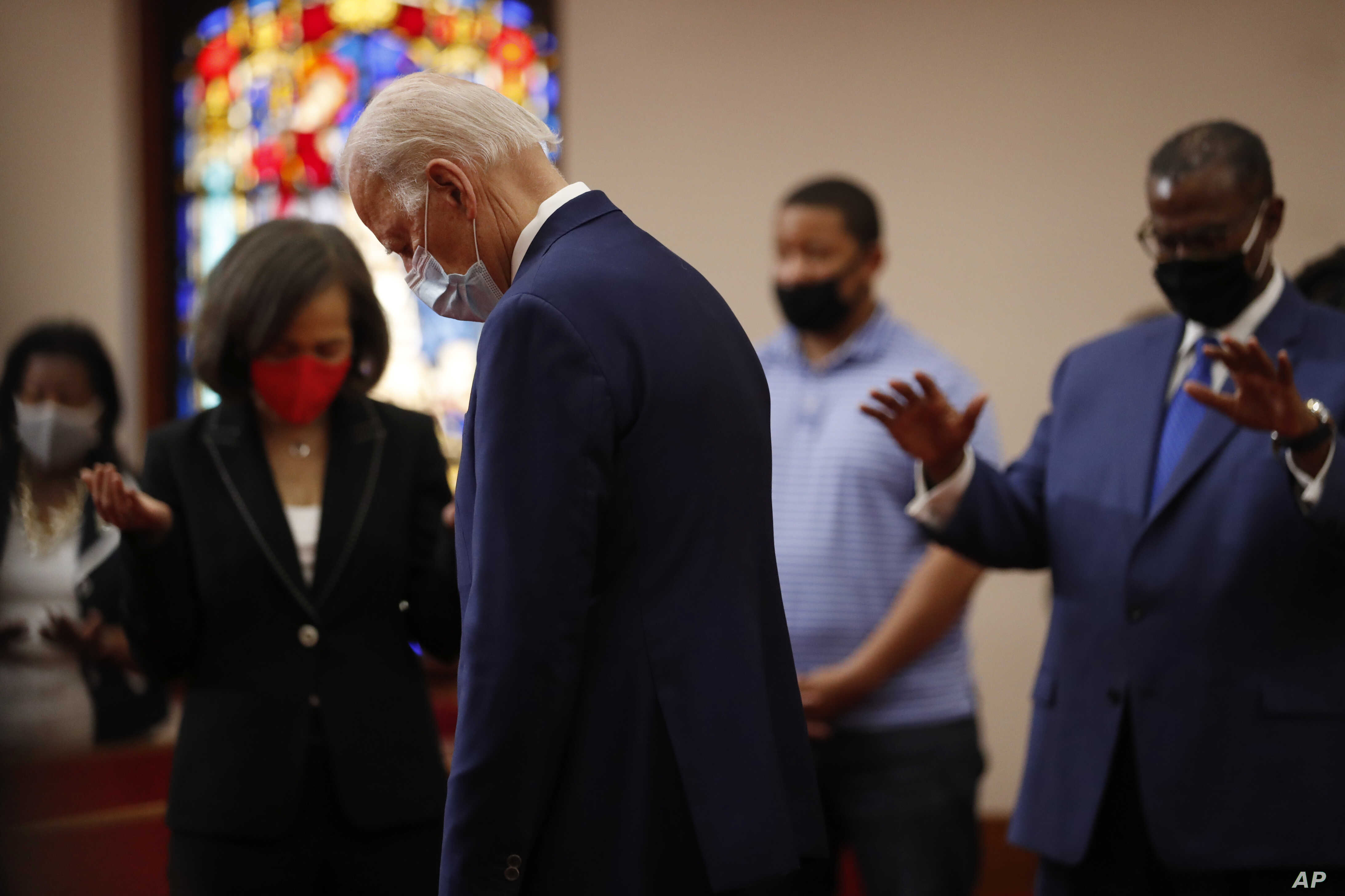 Biden Meets with Black Leaders at Local Church Amid Unrest | Voice of  America - English
