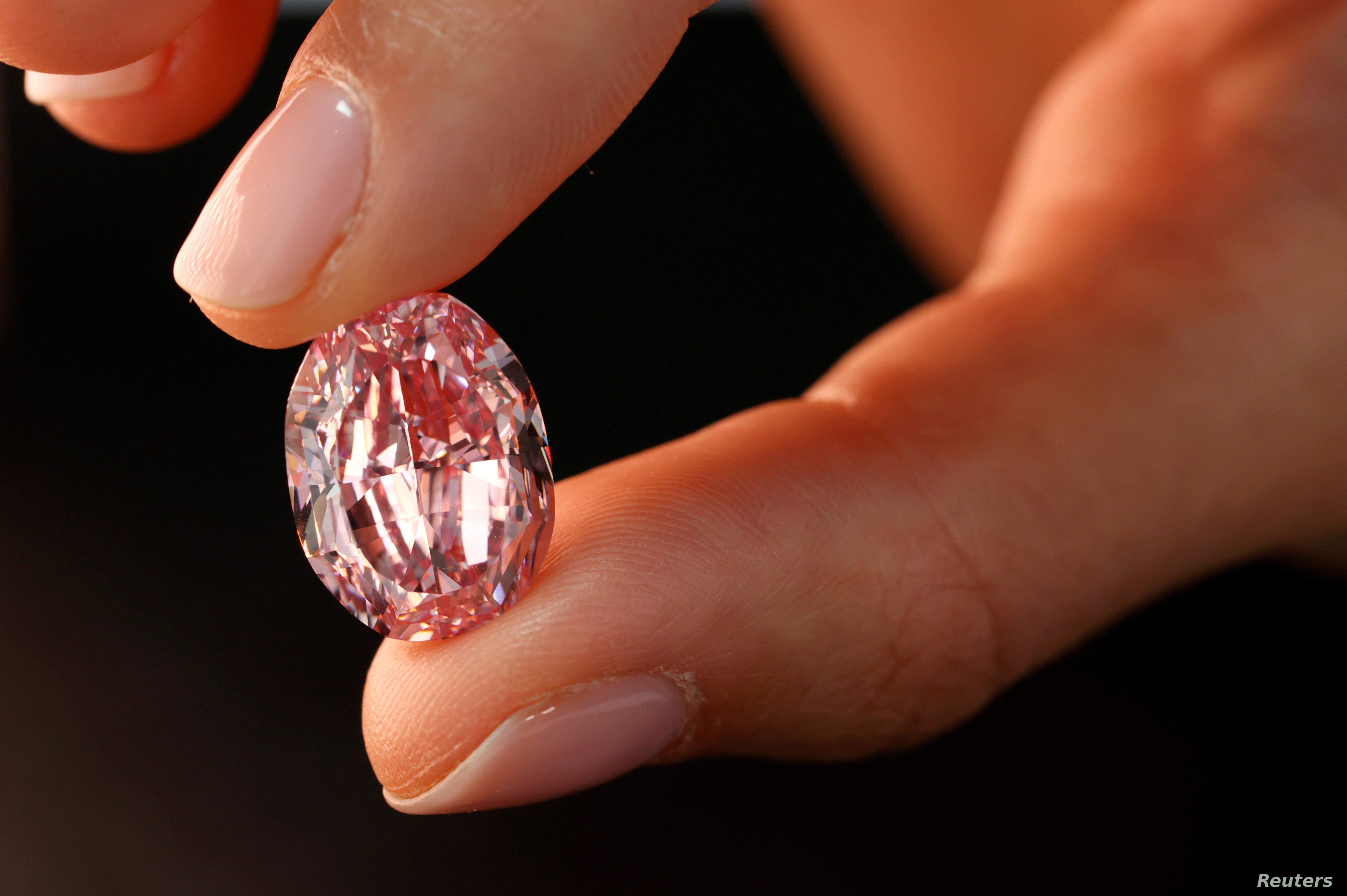 Pink diamond fetches $26.6M at Sotheby's Geneva sale
