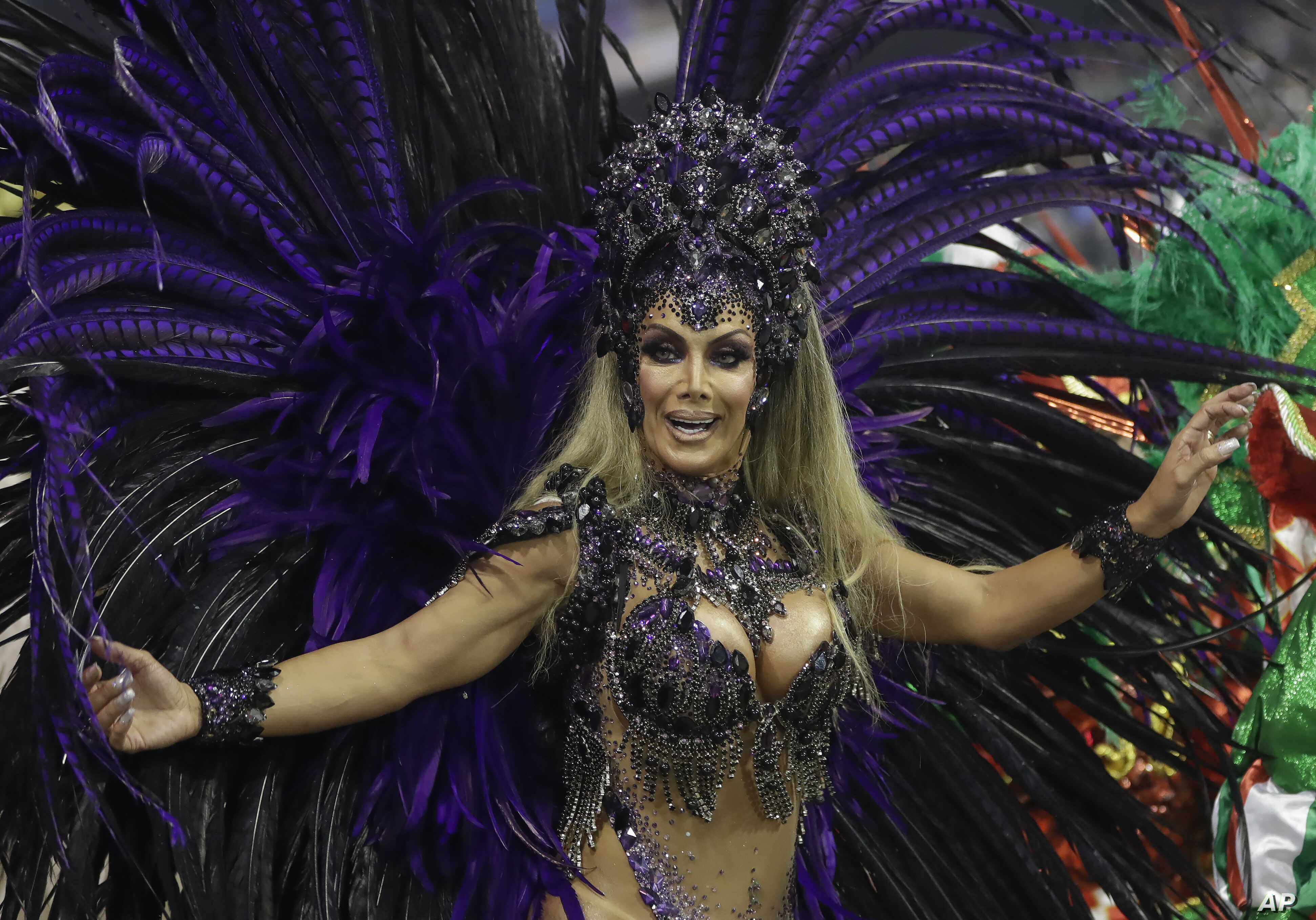 No silicone wanted! Carnival troupe pushes for more