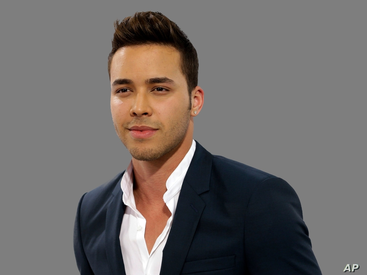 The 32-year old son of father (?) and mother(?) Prince Royce in 2021 photo. Prince Royce earned a  million dollar salary - leaving the net worth at  million in 2021