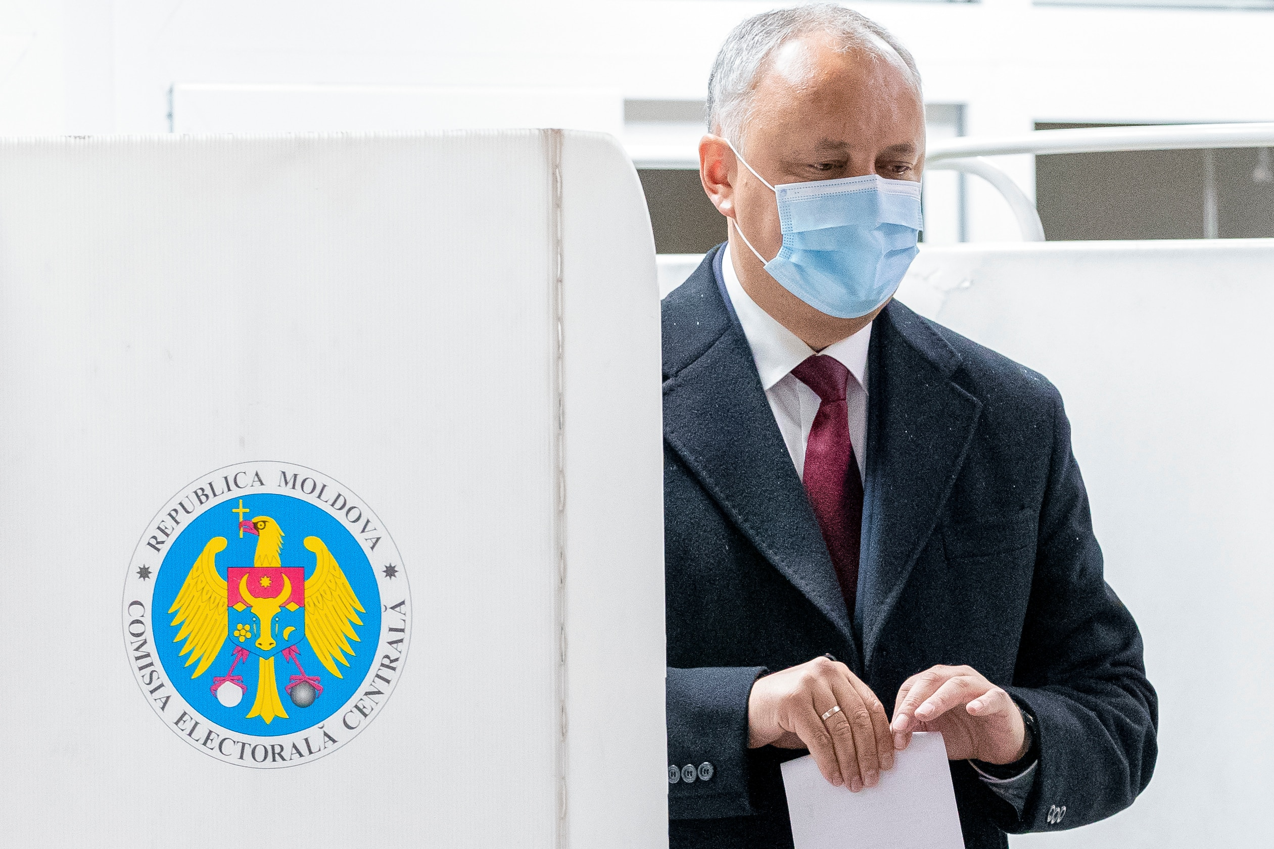 Moldova Holding the Second Round of Presidential Election