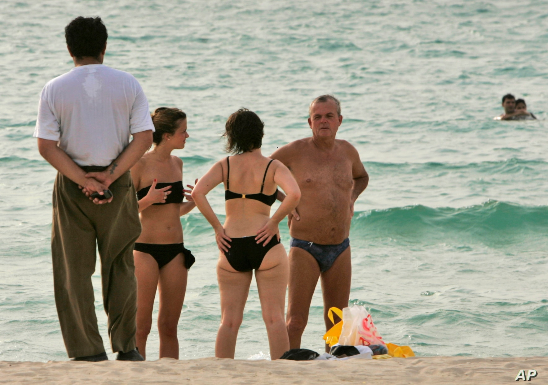 Girls nude beach selfie group Those Involved In Naked Photo Shoot In Dubai To Be Deported Voice Of America English