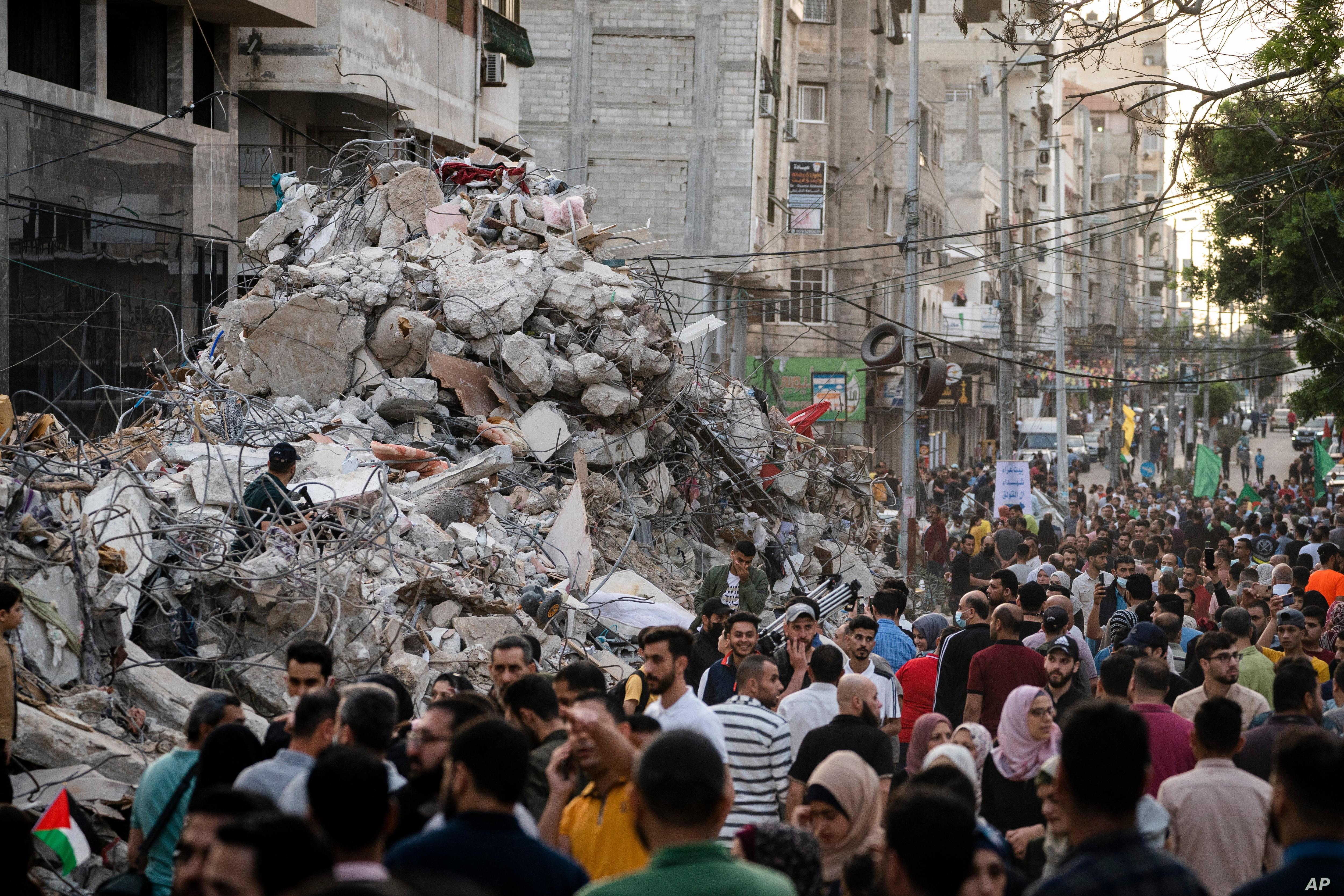 United Nations  official urges 'political process' amid Gaza reconstruction