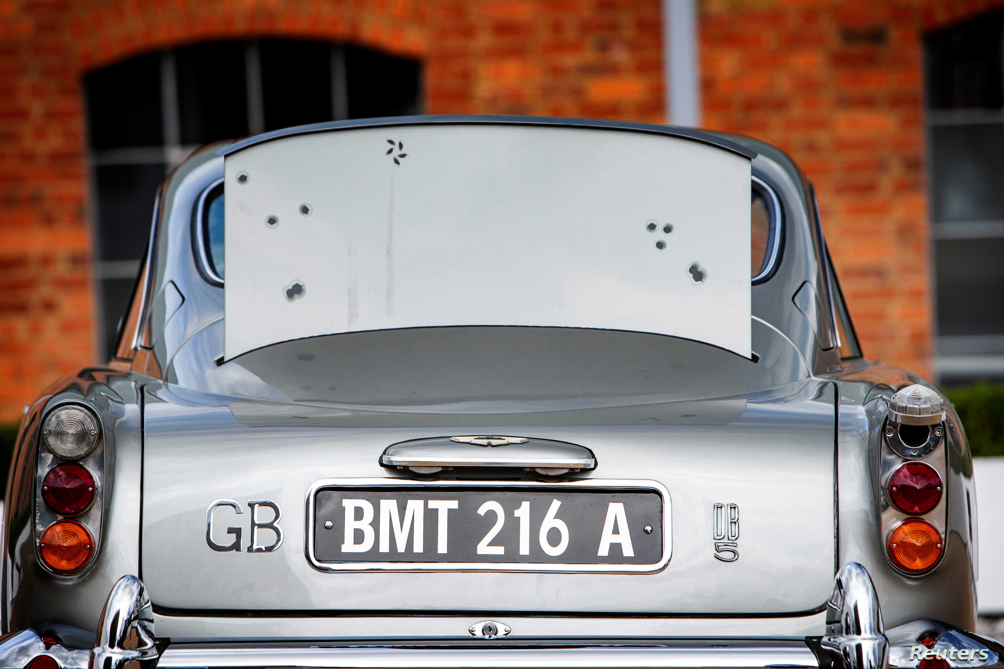 Aston Martin Built For James Bond Heading To Auction Voice Of America English