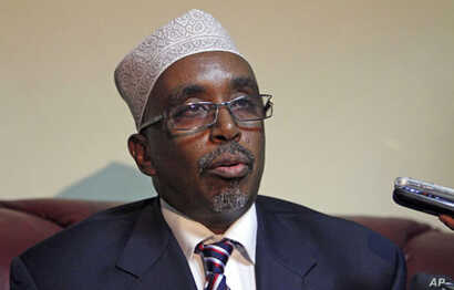 Somali parliament speaker Sharif Hassan Sheikh Aden addresses a news conference at Adam Ade airport in capital Mogadishu, March 24, 2011 (file photo)