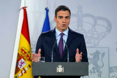 Spain's Prime Minister Pedro Sanchez delivers a statement at the Moncloa Palace in Madrid, Spain, Feb. 4, 2019.