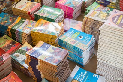 EMCI receives donations of primary school textbooks. These books will be used by thousands of students in the southern Borno, northern Adamawa area.
