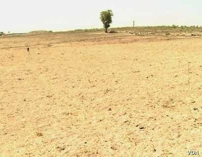 Degraded land is seen in Pitoua, Cameroon, Feb. 10 2018. Formerly a community forest, it is now completely bare. (M. Kindzeka/VOA)