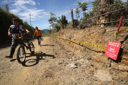 Colombia Clearing Land Mines