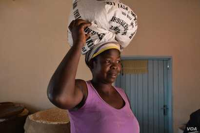 Tariro Mudazvose of Gokwe, one of the Zimbabwean farmers who planted the new seeds, says they produce high yields, and create food security in her households, September 2017.