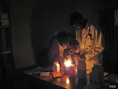 Millions of Africans don't have access to electricity and must make do with potentially dangerous kerosene lamps for light