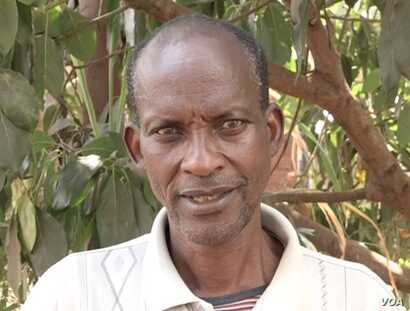 Silas Bihizi, convicted of killing five people in 1994, sought forgiveness from their relatives. (VOA)