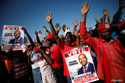 Supporters of Nelson Chamisa's opposition Movement for Democratic Change (MDC) party attend the final election rally in Harare, Zimbabwe, July 28, 2018.