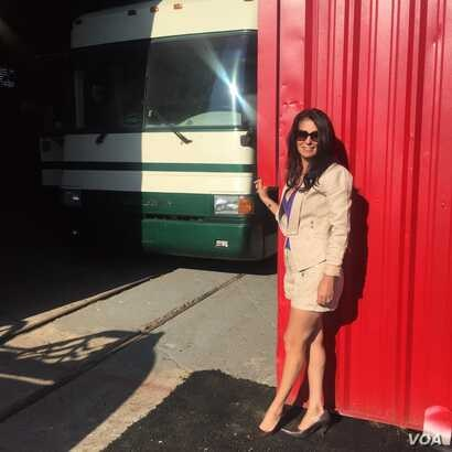 Gigi Stetler, with one of her many RVs, at Planet RV in Florida, October 2015. (Courtesy of Niamh)
