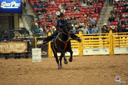 Photo of Sammy Jo Bird, member of Montana Blackfeet Nation, competing in 2016 Indian National Finals Rodeo in November 2016. Courtesy: Smith Rodeo Photos.
