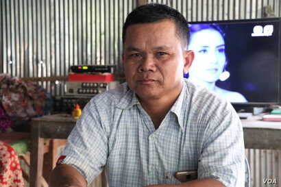 Oum Samoeurn, 48, who served as a CNRP commune councilor until the party was dissolved, said he faced pressure to defect to the CPP, but refused to do so, photo taken Nov. 27, 2017