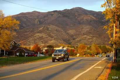 A neighborhood at the foot of a mountain in Kaysville, Utah, about a 30-minute drive north of the capital, Salt Lake City. The city is surrounded by the Wasatch mountain range on one side and the Great Salt Lake on the other. Oct. 27, 2016. (R. Taylo...