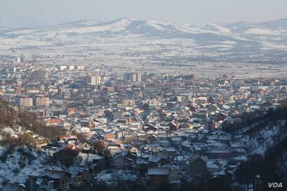 Presevo, Serbia, is covered with snow, and more freezing temperatures are in the forecast, Jan. 19, 2016. (P. Walter Wellman/VOA)