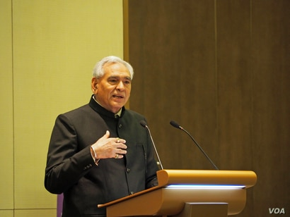 Indian Minister of State of Commerce & Industry C.R. Chaudhary speaks at the India-Myanmar Business Conclave, (B. Dunant for VOA)