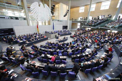Gregor Gysi of the German left-wing Die Linke party makes a speech during a session of Germany's parliament, the Bundestag, in Berlin, Germany, July 17, 2015.