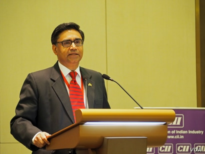 Indian Ambassador to Myanmar Vikram Misri speaks at the India-Myanmar Business Conclave. (B. Dunant for VOA)
