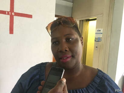 Harare resident Sharon Mumbula says city mayor Benard Manyenyeni must step down for failing to provide Zimbabwe's capital city with safe water, thus exposing residents to waterborne diseases, Dec. 29, 2017.