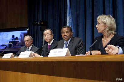Tanzanian President Jakaya Kikwete speaks at a press conference alongside NYC Mayor Michael Bloomberg; Secretary-General Ban Ki-moon; and Helen Agerup (Agerup Foundation) to reveal results of a maternal health care program, Oct. 2, 2012. (UN/J. Carri...