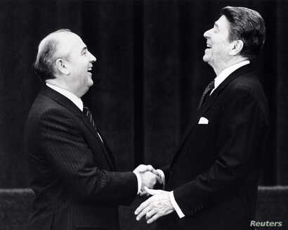 This photo shows former U.S. President Ronald Reagan at his first meeting with former Soviet leader Mikhail Gorbachev in Geneva, Switzerland, 1985.