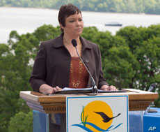 """EPA administrator Lisa P. Jackson announces a presidential order to protect and restore the Chesapeake Bay, creating """"a tougher era in federal leadership."""""""
