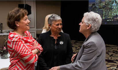 Ceres President Mindy Lubber (L) talks with EPA Administrator Gina McCarthy (R) and Mary Nichols, Chairman of the California Air Resources Board at Ceres' recent annual conference in San Francisco. (Photo: Courtesy Rob Scheid)