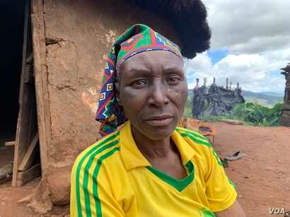 Anne Dube-Magoso in Chimanimani, March 22, 2019, was lucky to escape alive, but with several injuries, when her family's house collapsed during the cyclone March 16. But her 83-year-old father was suffocated.