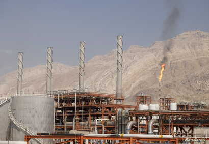 A general view shows a unit of South Pars Gas field in Asalouyeh Seaport, north of Persian Gulf, Iran Nov. 19, 2015.