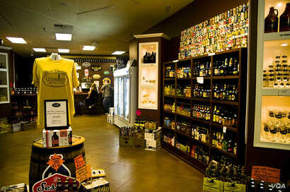 A combination pub-store in Hilton Head, South Carolina, sells dozens of craft beers from around the nation. (Beaufort's TheDigitel, Flickr Creative Commons)