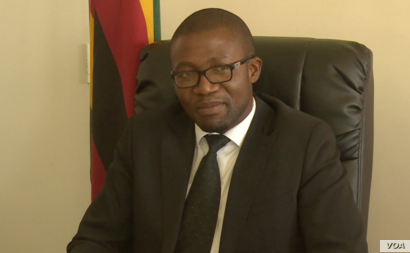 Mangaliso Ndlovu, minister of industries says he is aware of the problem Zimbabweans are facing regarding expensive bread and the answer is in a bread that is 100 percent Zimbabwean which a local company has started producing.