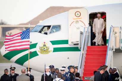 Nigerian President Muhammadu Buhari arrives at Andrews Air Force Base, Maryland, March 30, 2016. Buhari is in Washington to attend the Nuclear Security Summit.