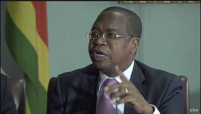 """Mthuli Ncube, Zimbabwe's finance minister, says the country needs to """"climate-proof"""" its agricultural production. Nov. 28, 2019. (Columbus Mavhunga/VOA)"""