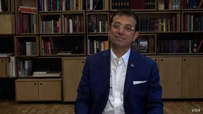 Istanbul's mayor, Ekrem Imamoglu, is calling on the people to stay strong in the face of the COVID-19 pandemic. (Dorian Jones/VOA)