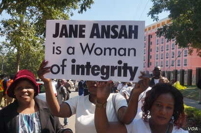 In October of 2019, supporters of the ruling Democratic Progressive Party rallied against calls for the resignation of Jane Ansah. (Lameck Masina/VOA)