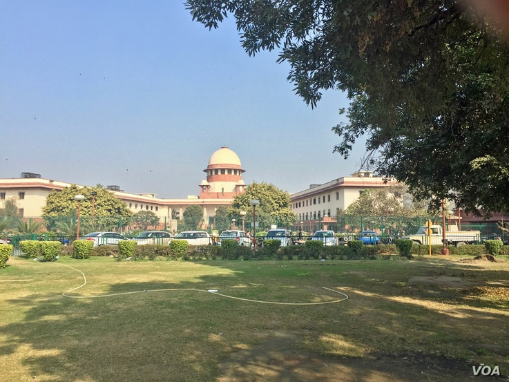 """The Supreme Court begins a landmark hearing on Thursday to decide the legality of the Muslim divorce practice known as """"triple talaq"""" which is allowed by Muslim family law in India. (Photo: A. Pasricha/VOA)"""