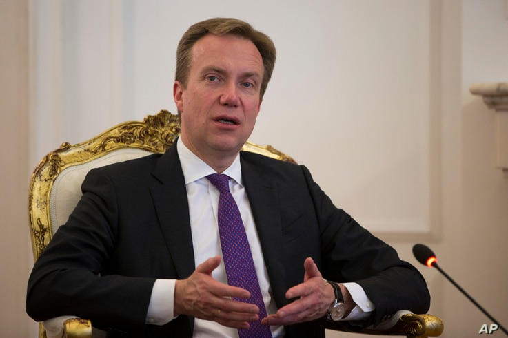 Norwegian Minister of Foreign Affairs Borge Brende speaks to media during a meeting with Kosovo's president Hashim Thaci in Kosovo capital Pristina, Feb 14, 2017.