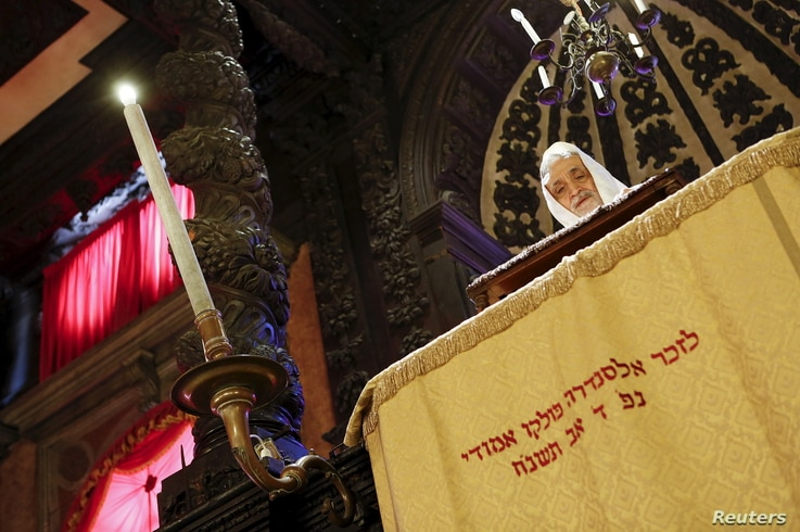Rabbi Scialom Bahbout, spiritual leader of Venice's Jewish community, prays in the Levantine synagogue in the Venice ghetto, northern Italy, March 22, 2016.