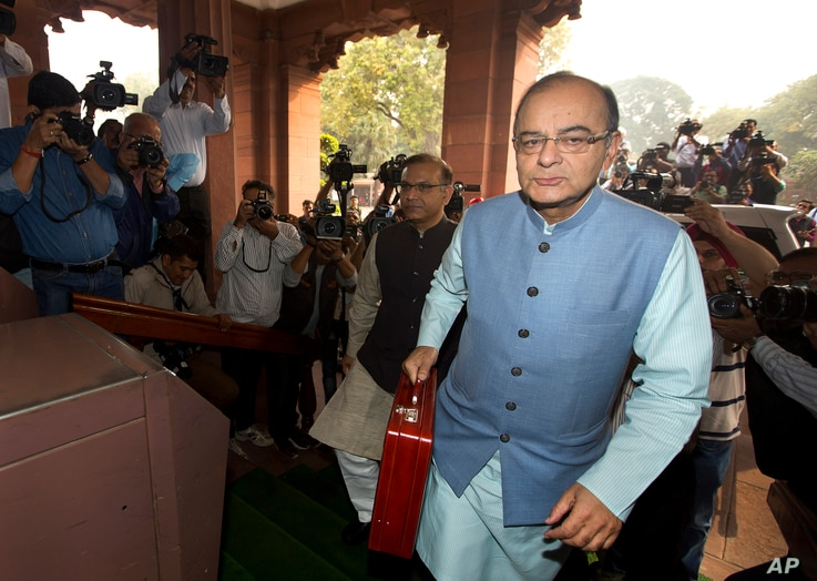 Indian Finance Minister Arun Jaitley arrives at parliament house to present federal budget 2016-17, in New Delhi, India, Feb. 29, 2016